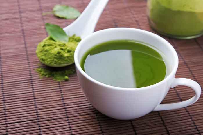Grüner Tee wird verwendet, um Gewicht zu verlieren und wie er eingenommen wird